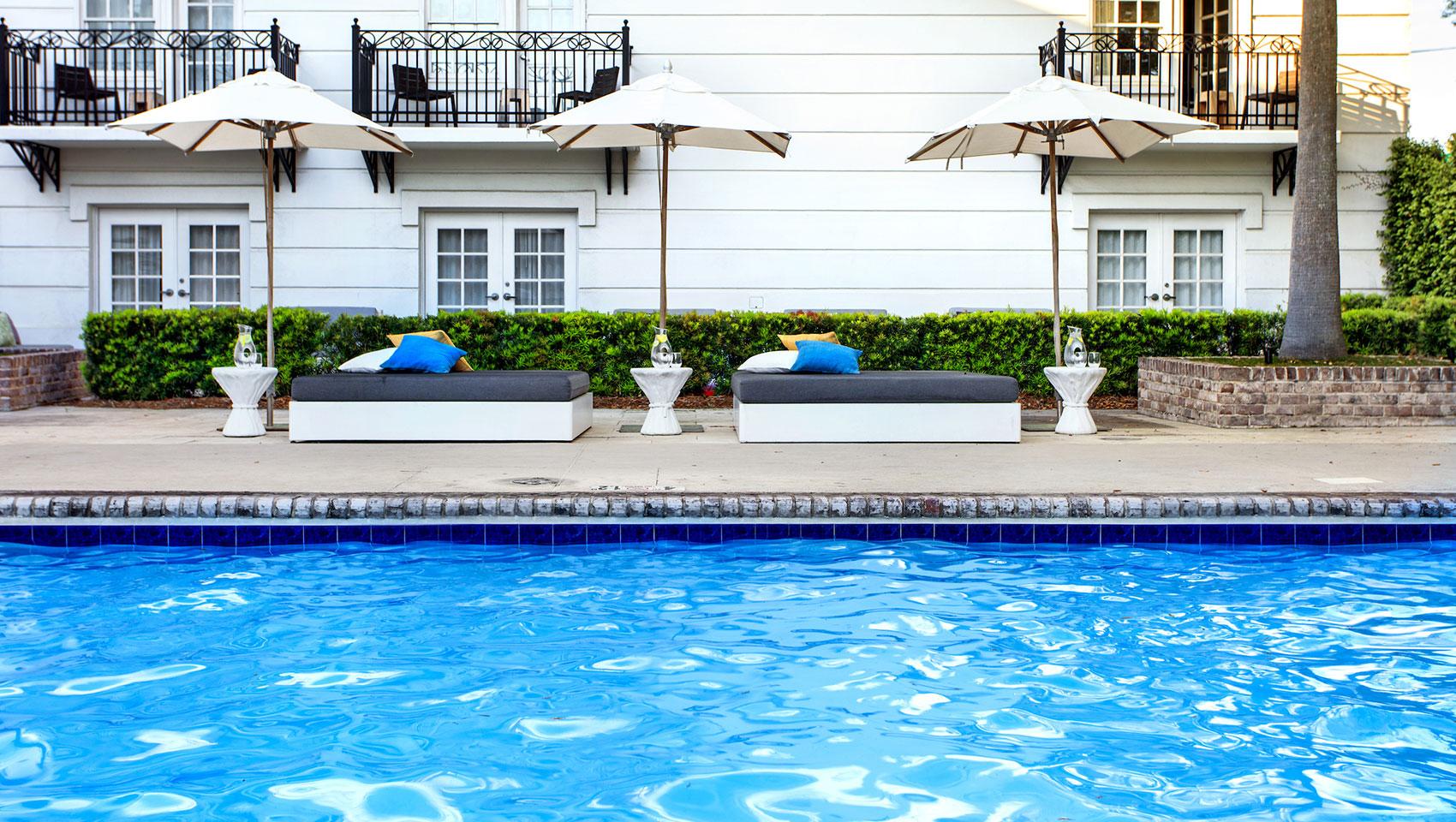 Savannah Ga With An Outdoor Pool